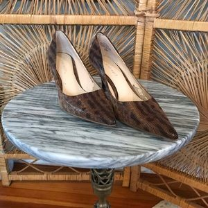 7.5 snakeskin pointed toe heels
